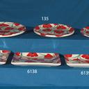 Platos de vajilla cuadrados y platos de chuletón